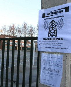 Cuatrovientos colegio Jesús Maestro y San Jose Obrero protestas por antena de telefonía /